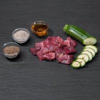 Rohfutter proCani BARF Hypoallergen Pferd Menü mit Zuchini